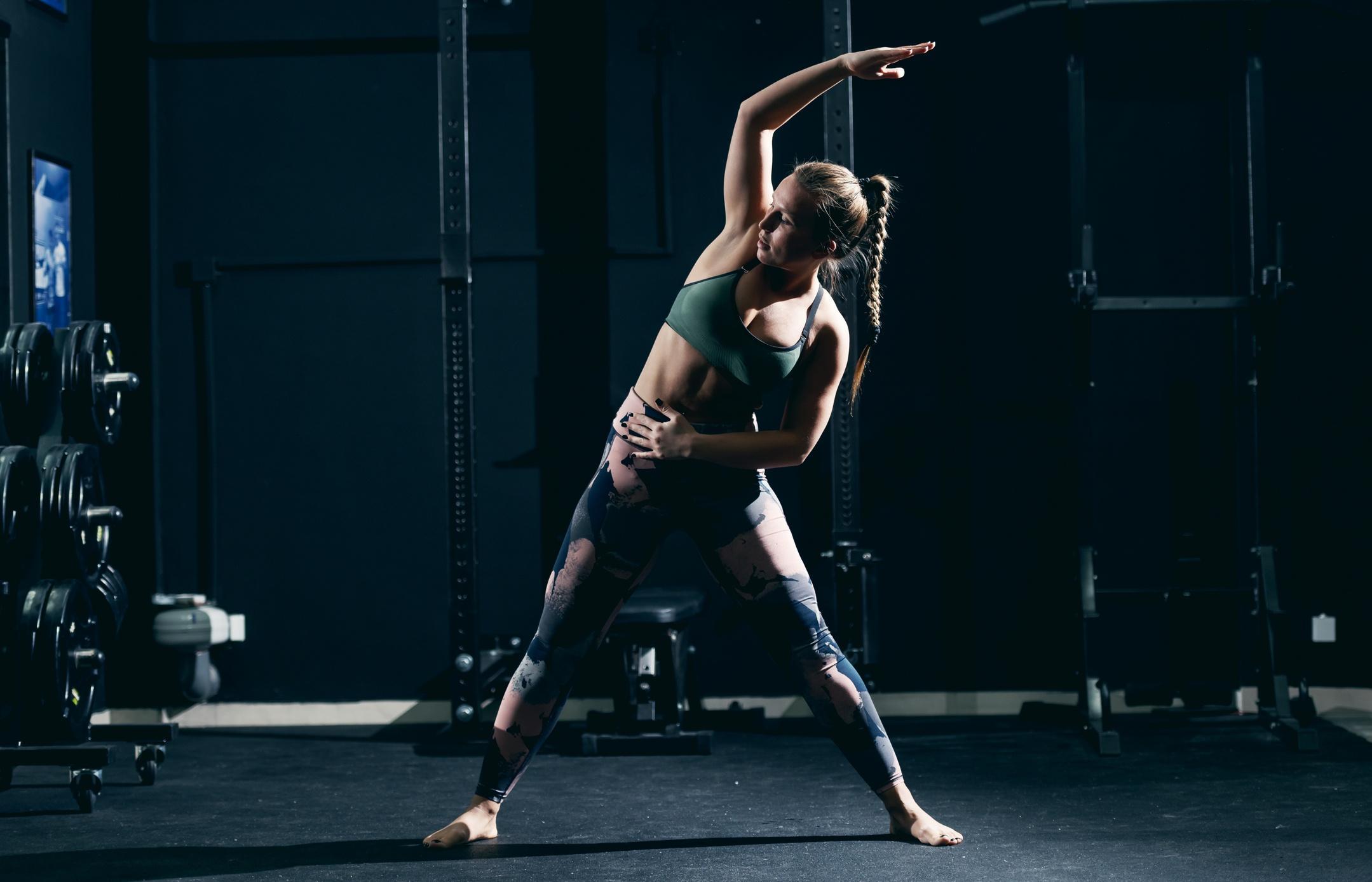 Read more about the article O czym pamiętać w trakcie treningu, by nie uszkodzić stawów i kręgosłupa w trakcie ćwiczeń?